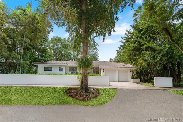 410 Marmore Ave, Coral Gables, FL 33146 (MLS #A10597674) :: The Maria Murdock Group