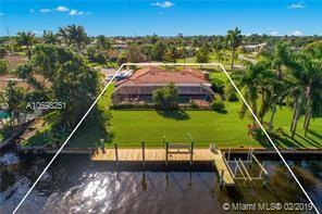2835 NW St Lucie Ln, Stuart, FL 34994 (MLS #A10598251) :: The Riley Smith Group