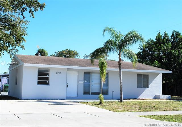 2260 SW 44th Ave, Fort Lauderdale, FL 33317 (MLS #A10598515) :: The Teri Arbogast Team at Keller Williams Partners SW