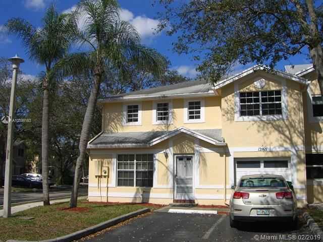 12165 SW 50th Pl, Cooper City, FL 33330 (MLS #A10599160) :: Green Realty Properties