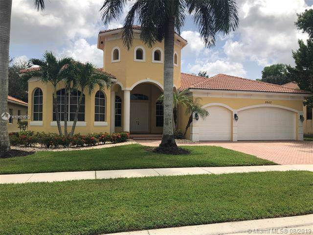 8662 Club Estates Way, Lake Worth, FL 33467 (MLS #A10601612) :: Ray De Leon with One Sotheby's International Realty