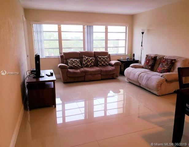 329 SE 3rd Street 303-R, Hallandale, FL 33009 (MLS #A10601732) :: Berkshire Hathaway HomeServices EWM Realty