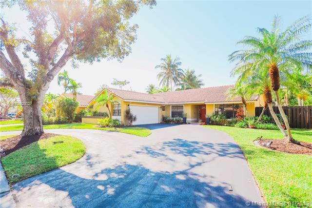 1481 NW 99th Ave, Plantation, FL 33322 (MLS #A10602932) :: The Teri Arbogast Team at Keller Williams Partners SW