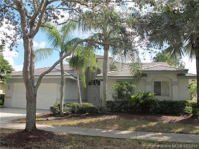 2780 Oakbrook Ln, Weston, FL 33332 (MLS #A10603080) :: The Teri Arbogast Team at Keller Williams Partners SW