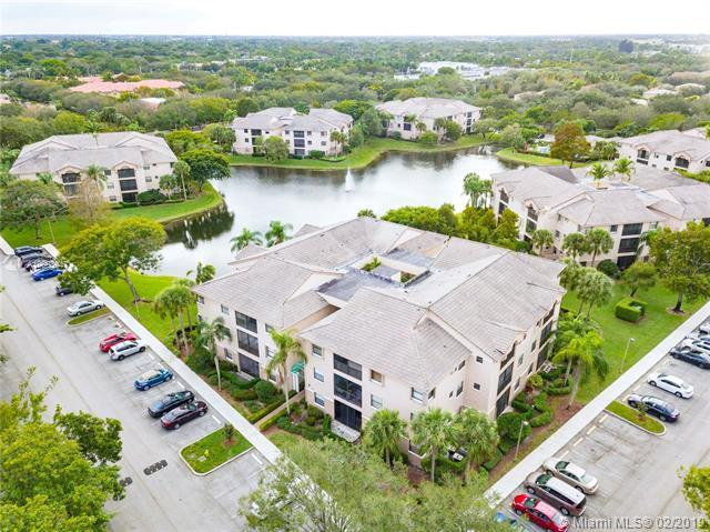 4161 Coral Tree Cir #162, Coconut Creek, FL 33073 (MLS #A10603947) :: The Riley Smith Group
