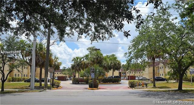 Miami, FL 33186 :: The Paiz Group