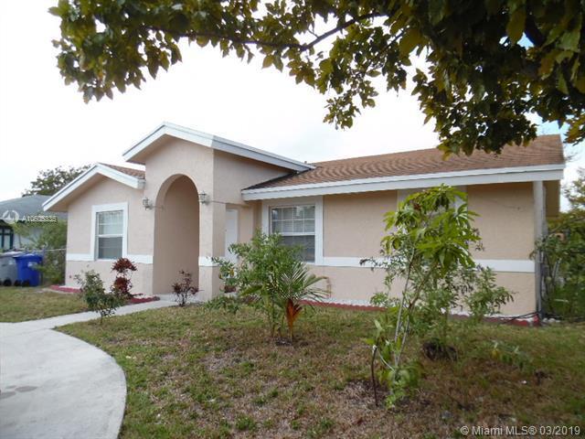 1441 NW 3rd Ave, Pompano Beach, FL 33060 (MLS #A10605335) :: The Paiz Group