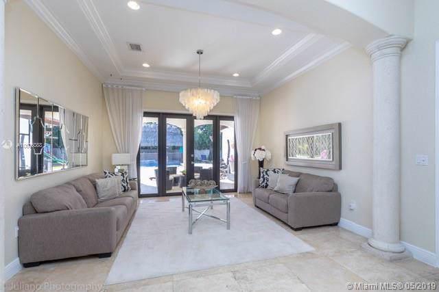 10224 SW 130th Ln, Miami, FL 33176 (MLS #A10606088) :: Grove Properties