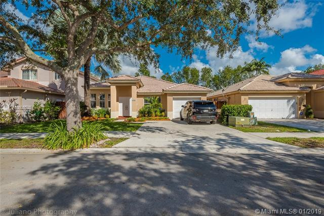 408 E Garden Cove Cir, Davie, FL 33325 (MLS #A10606528) :: Prestige Realty Group