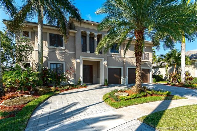 691 Carrotwood Ter, Plantation, FL 33324 (MLS #A10611213) :: Laurie Finkelstein Reader Team