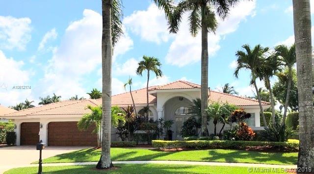 320 Windmill Palm Ave, Plantation, FL 33324 (MLS #A10612174) :: The Teri Arbogast Team at Keller Williams Partners SW