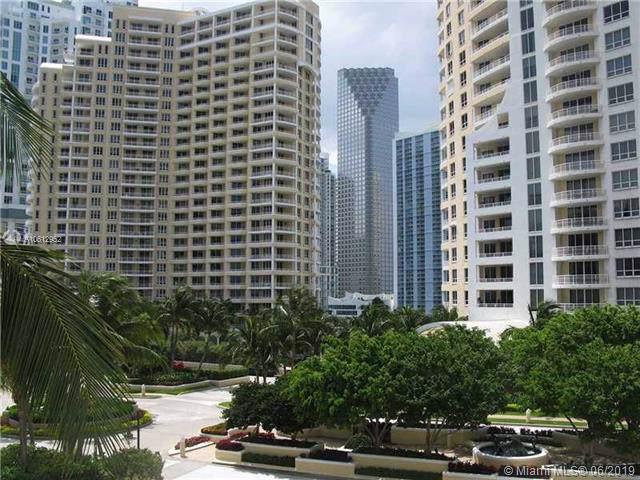 808 Brickell Key Dr #1903, Miami, FL 33131 (MLS #A10612952) :: Grove Properties