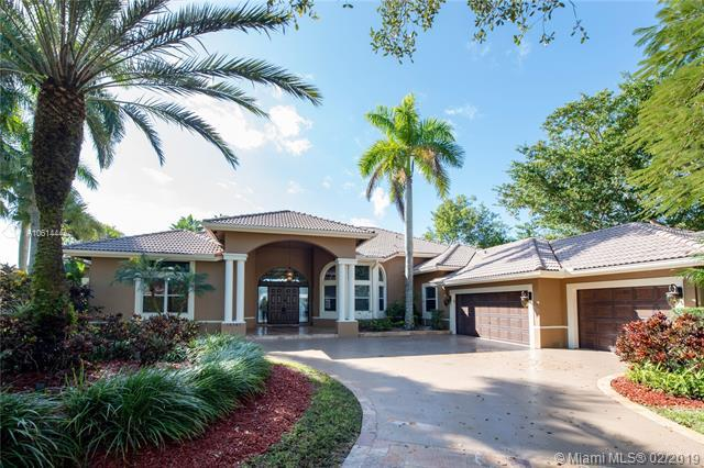 10701 Indian Trl, Cooper City, FL 33328 (MLS #A10614444) :: Green Realty Properties