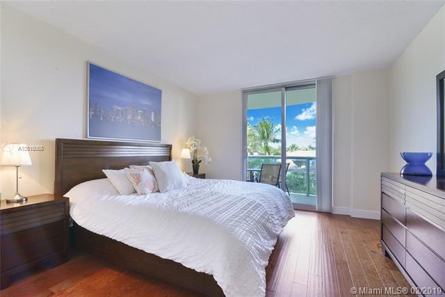 19380 Collins Ave #326, Sunny Isles Beach, FL 33160 (MLS #A10616068) :: The Jack Coden Group
