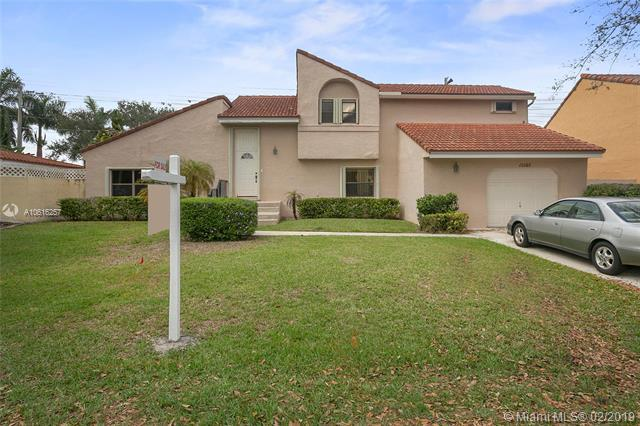 12265 Garden Dr, Cooper City, FL 33026 (MLS #A10616257) :: Green Realty Properties