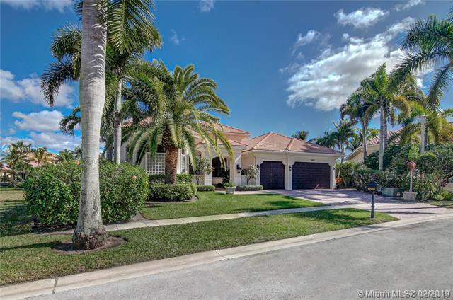 690 Carrotwood Ter, Plantation, FL 33324 (MLS #A10617137) :: Green Realty Properties