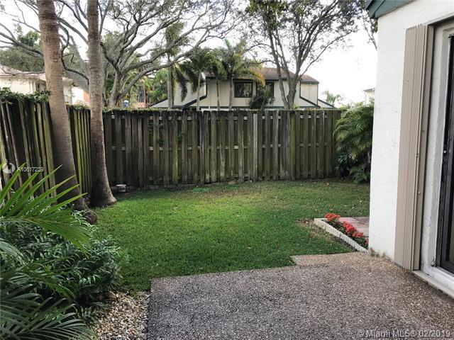 13281 NW 5th St #13281, Plantation, FL 33325 (MLS #A10617239) :: The Paiz Group