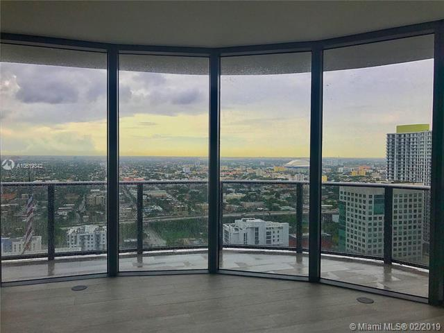 55 SW 9 ST #3608, Miami, FL 33130 (MLS #A10619342) :: The Howland Group