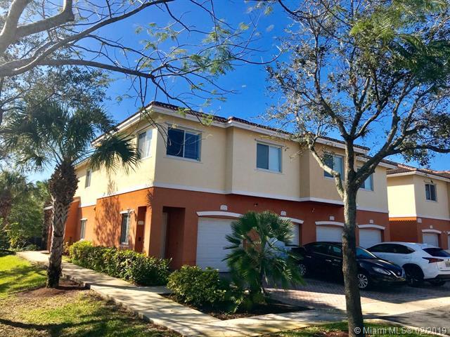3340 Palomino Dr 221-2, Hollywood, FL 33024 (MLS #A10619769) :: United Realty Group