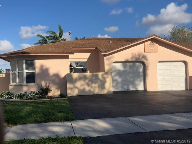 5866 SW 97th Ter, Cooper City, FL 33328 (MLS #A10620201) :: RE/MAX Presidential Real Estate Group