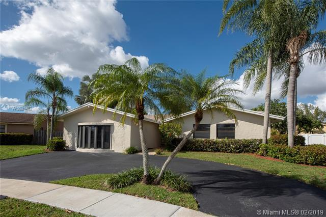 16715 SW 5th Way, Weston, FL 33326 (MLS #A10621402) :: The Howland Group