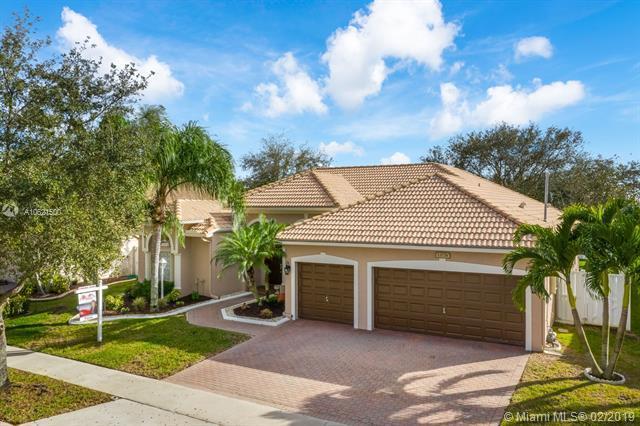 13776 NW 21st St, Pembroke Pines, FL 33028 (MLS #A10621500) :: Castelli Real Estate Services