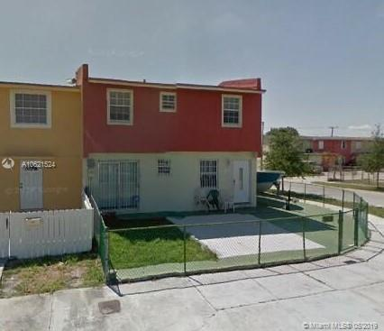 19224 NW 46th Ave ., Miami Gardens, FL 33055 (MLS #A10621524) :: Grove Properties