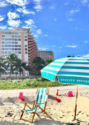 2899 Collins Ave #610, Miami Beach, FL 33140 (MLS #A10622397) :: The Teri Arbogast Team at Keller Williams Partners SW