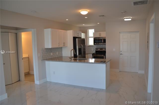 555 E Dania Beach Blvd. #5, Dania Beach, FL 33004 (MLS #A10624801) :: RE/MAX Presidential Real Estate Group