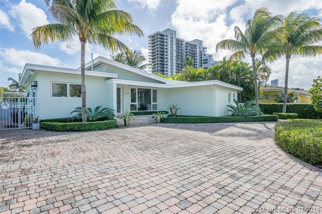 1100 N Venetian Dr, Miami Beach, FL 33139 (MLS #A10627586) :: The Adrian Foley Group