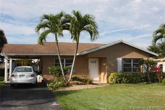 6813 NW 76 St, Tamarac, FL 33321 (MLS #A10629921) :: The Paiz Group