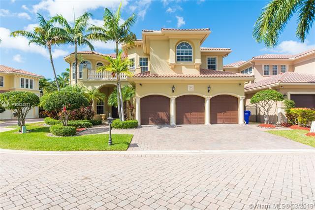 845 Meridian Ln, Hollywood, FL 33019 (MLS #A10634871) :: Grove Properties