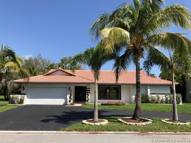 9133 NW 49th Pl, Coral Springs, FL 33067 (MLS #A10635368) :: The Paiz Group