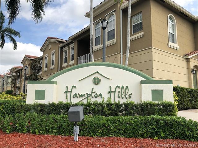 5861 Hampton Hills Blvd, Tamarac, FL 33321 (MLS #A10636845) :: Green Realty Properties