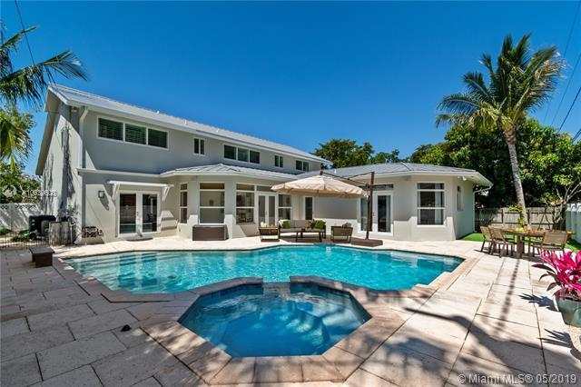 2026 NE 32nd Ave, Fort Lauderdale, FL 33305 (MLS #A10639608) :: Grove Properties