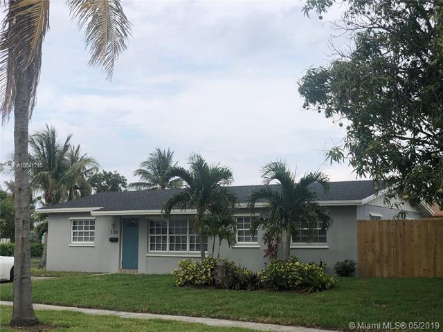 1150 SW 9th Ave, Deerfield Beach, FL 33441 (MLS #A10641716) :: The Teri Arbogast Team at Keller Williams Partners SW