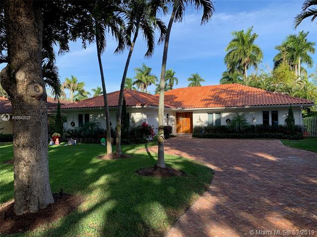 4415 Monserrate St, Coral Gables, FL 33146 (MLS #A10642023) :: The Maria Murdock Group