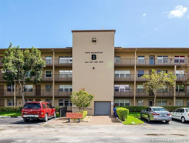 551 SW 135th Ave 314B, Pembroke Pines, FL 33027 (MLS #A10642893) :: The Teri Arbogast Team at Keller Williams Partners SW