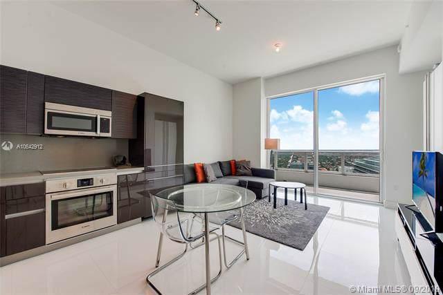 1080 Brickell Ave Lph4205, Miami, FL 33131 (MLS #A10642912) :: Berkshire Hathaway HomeServices EWM Realty