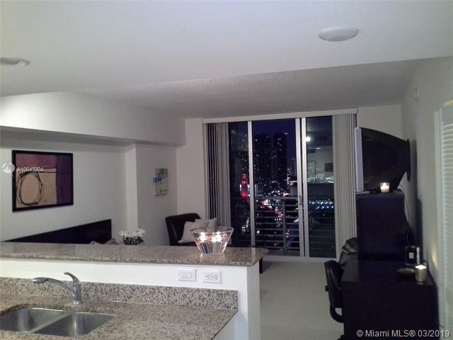325 S Biscayne Blvd #3220, Miami, FL 33131 (MLS #A10643304) :: The Adrian Foley Group