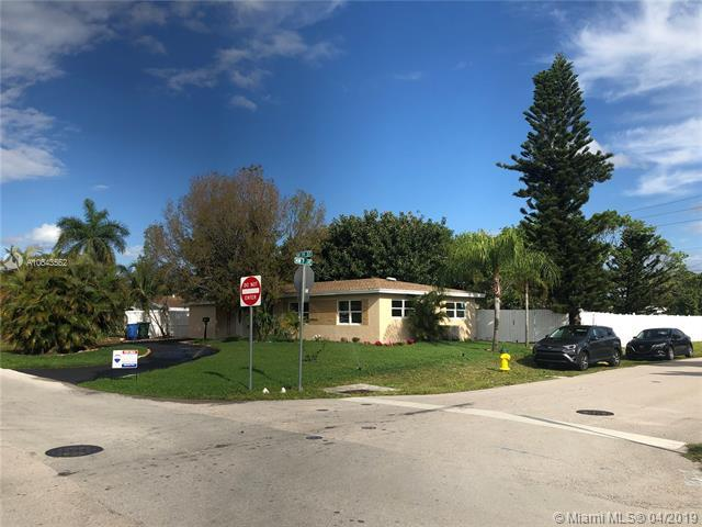 711 NW 39th St, Oakland Park, FL 33309 (MLS #A10643552) :: The Riley Smith Group