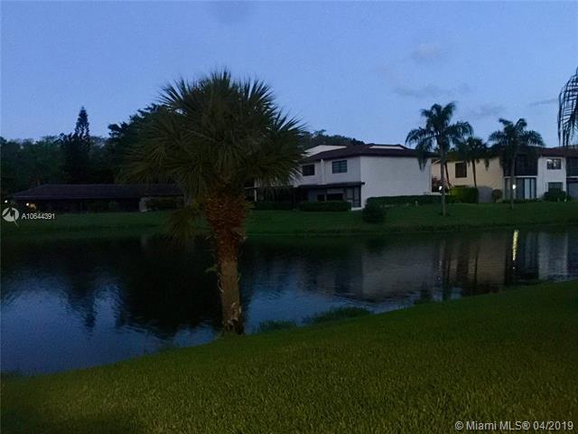 21729 Juego Cir 1C, Boca Raton, FL 33433 (MLS #A10644391) :: The Paiz Group
