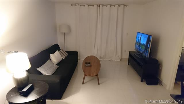 1150 Collins Ave - Photo 1