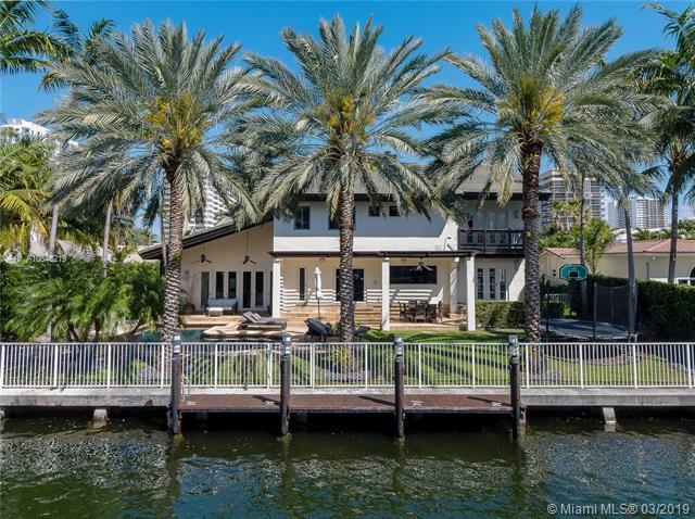 530 Palm Dr, Hallandale, FL 33009 (MLS #A10646219) :: Grove Properties