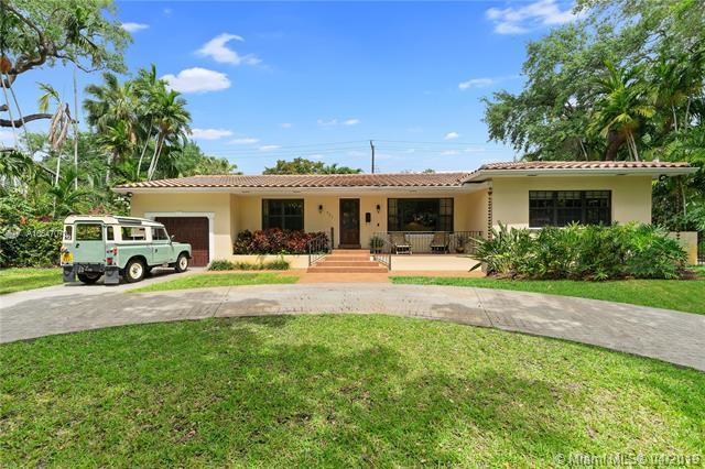 731 Anastasia Ave, Coral Gables, FL 33134 (MLS #A10647070) :: The Paiz Group