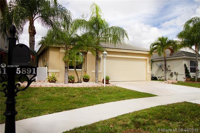 5891 W Grand Duke Cir, Tamarac, FL 33321 (MLS #A10647567) :: Green Realty Properties