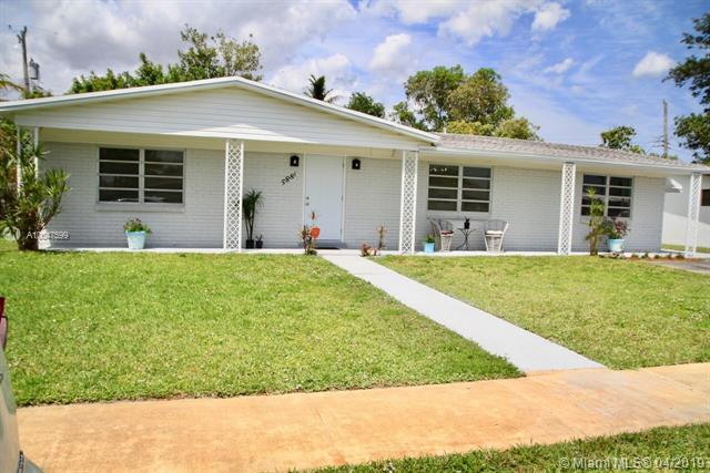 5881 NW 14th Ct, Sunrise, FL 33313 (MLS #A10647599) :: RE/MAX Presidential Real Estate Group