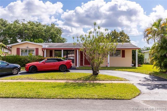 1811 N 49th Ave, Hollywood, FL 33021 (MLS #A10649120) :: Century 21 Keystone Realty