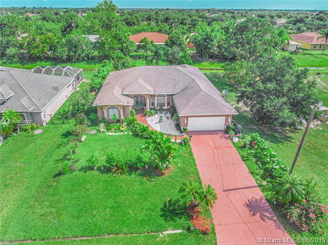 372 SW Kestor Drive, Port Saint Lucie, FL 34953 (MLS #A10649863) :: Grove Properties
