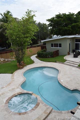 11701 NE 8 Ave, Biscayne Park, FL 33161 (MLS #A10650459) :: Lucido Global